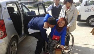 Taxi dành cho người khuyết tật xuất hiện tại Hà Nội